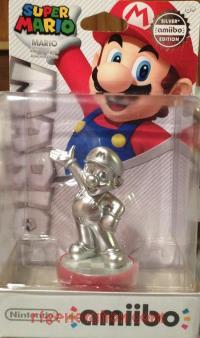 Amiibo: Super Mario Bros.: Mario Silver Box Front 200px
